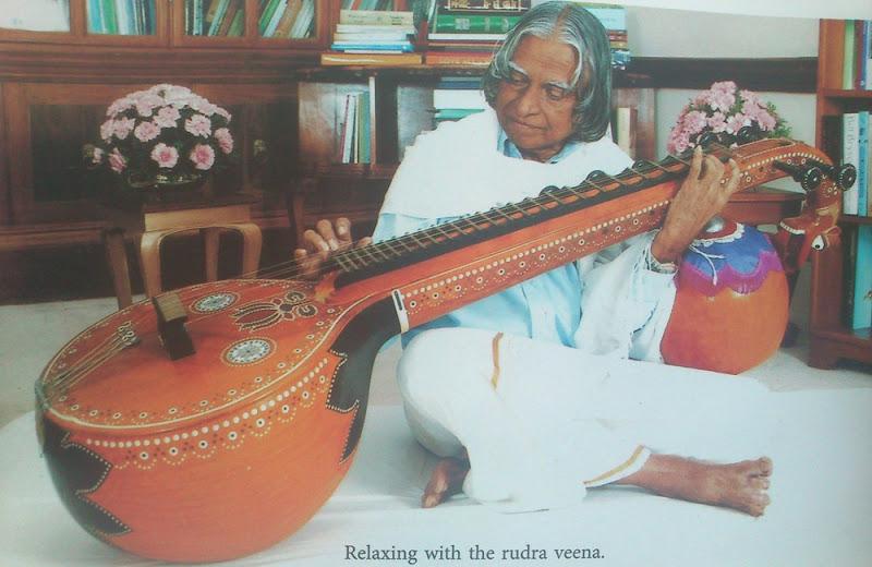 APJ Kalam playing Veena