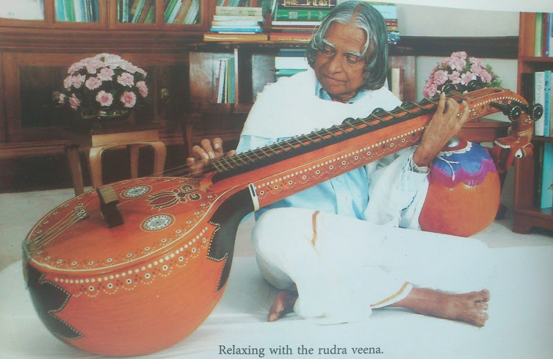 APJ Kalam playing Veena